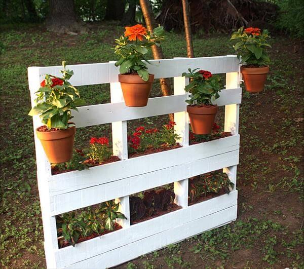 DIY Pallet Vertical Garden | Pallet Furniture DIY