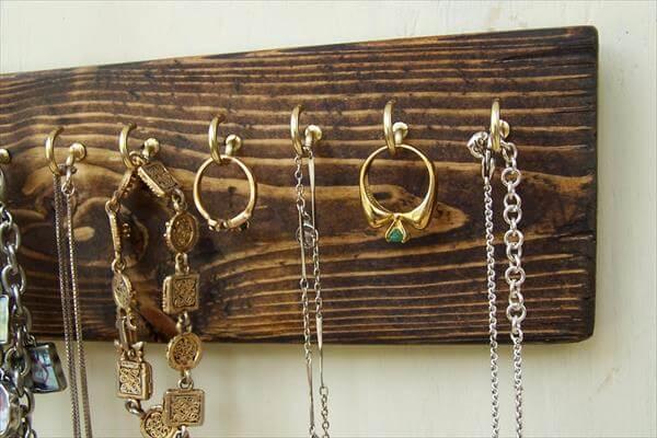 repurposed pallet jewelry organizer