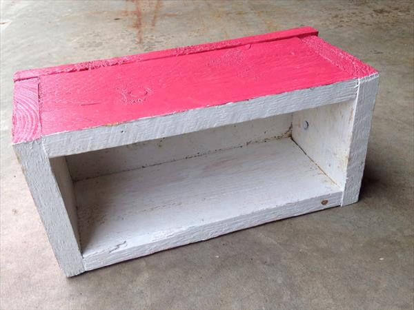 repurposed pallet planter box