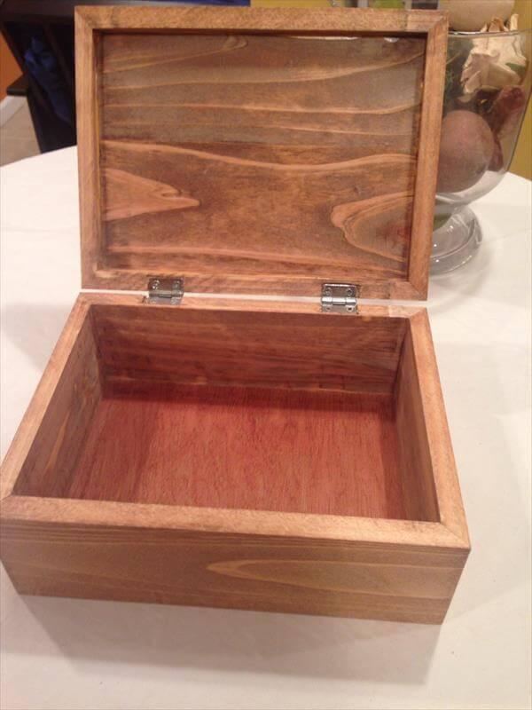 DIY Pallet Rustic Box | Pallet Furniture DIY