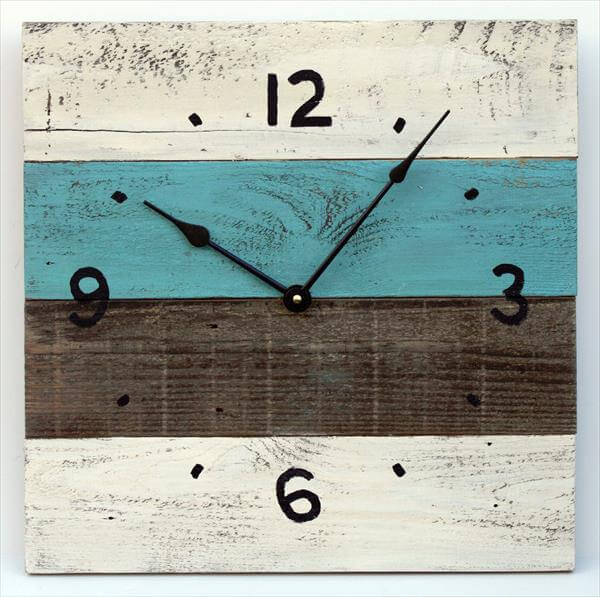 recycled pallet wall clock idea