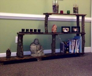 recycled pallet tiered bookshelf