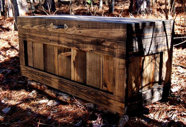 recycled pallet chest and coffee table