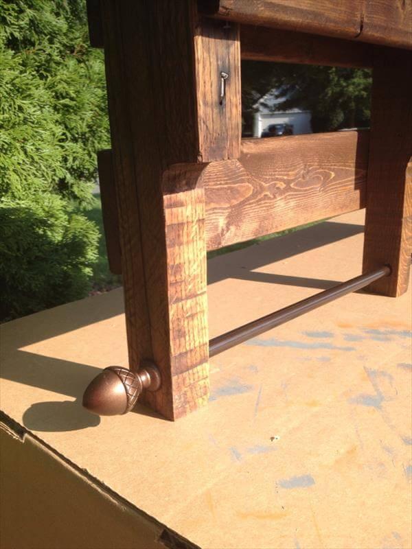 rustic pallet bathroom shelf and towel rack pallet. Black Bedroom Furniture Sets. Home Design Ideas