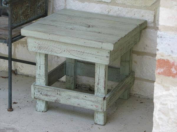 DIY Rustic Pallet End Table | Pallet Furniture DIY