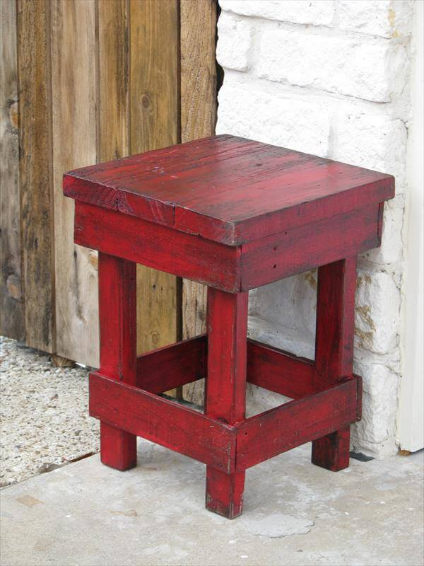 recycled pallet red side table