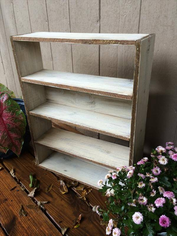 recycled pallet wall shelving