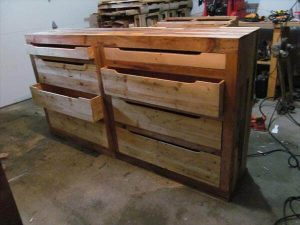 recycled pallet dresser