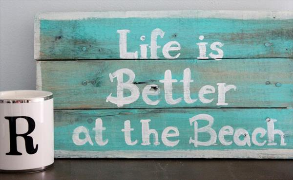 recycled pallet sign