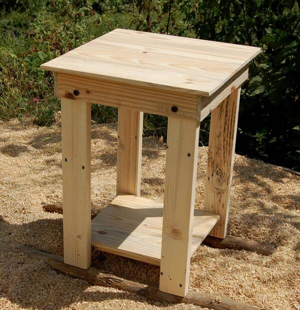 pallet side table end table nightstand diy vintage pallet end table ...