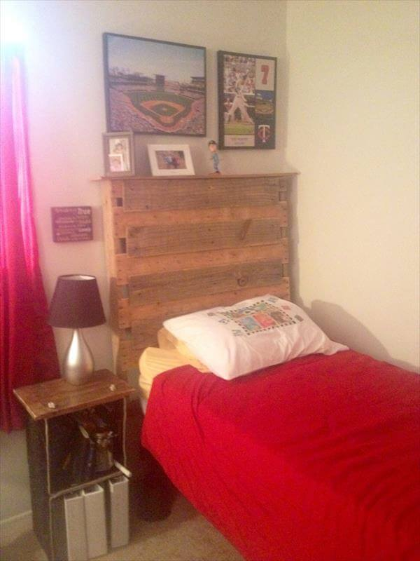 reclaimed pallet headboard