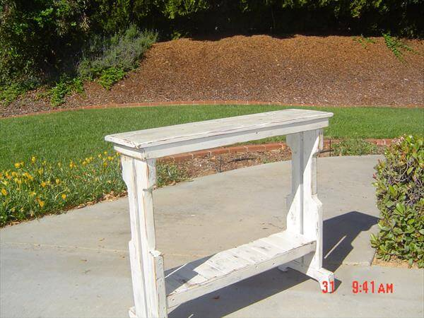 reclaimed pallet sofa side tale and entry way table