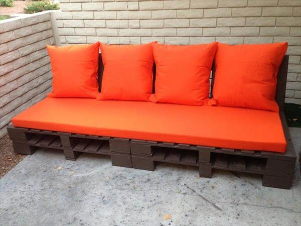 Diy Pallet Outdoor Couch With Cushion