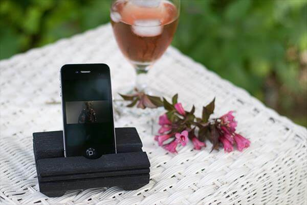 recycled pallet cell phone holder