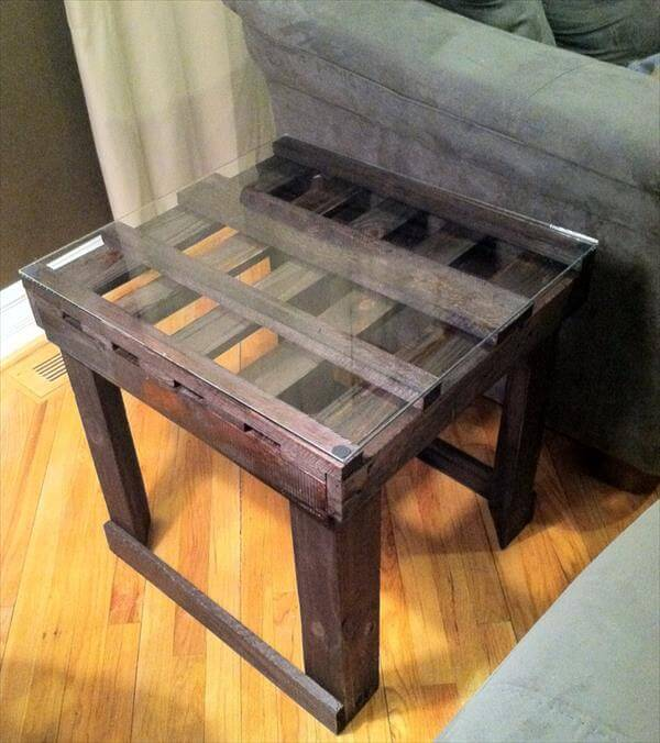 DIY Ultra-rustic End Table | Pallet Furniture DIY