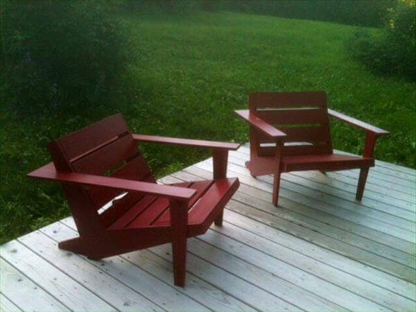 upcycled pallet adirondack chairs