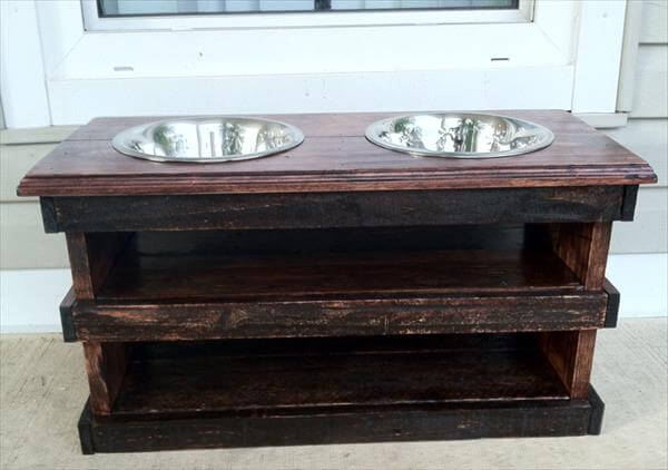 upcycled pallet raised dog feeding stand