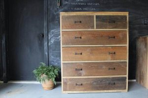 repurposed pallet dresser table