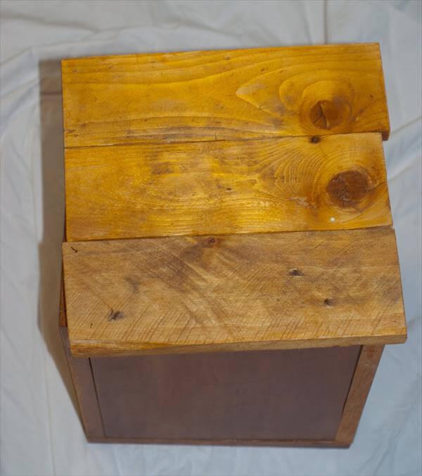 repurposed pallet storage box