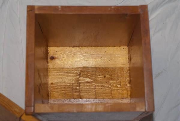 resurrected pallet storage box