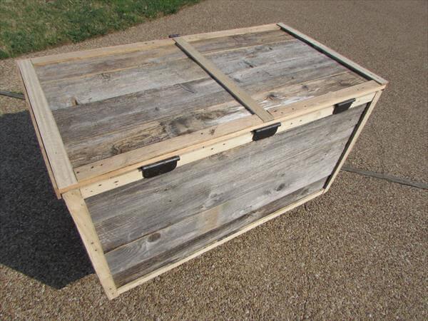 upcycled pallet chestt