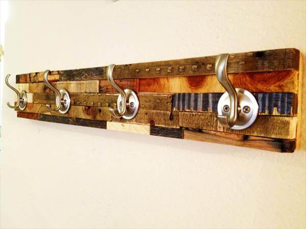 diy pallet coat rack with metal hooks