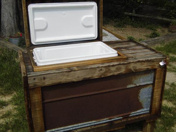 Diy Wood Pallet Outdoor Cooler