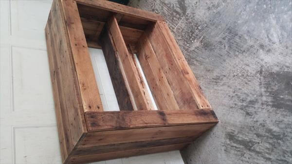 restored pallet entertainment table