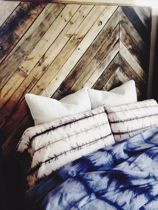 Diy pallet chevron king sized headboard pallet furniture diy for How to make a king size headboard out of pallets