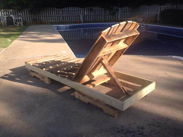 upcycled pallet lounge chair