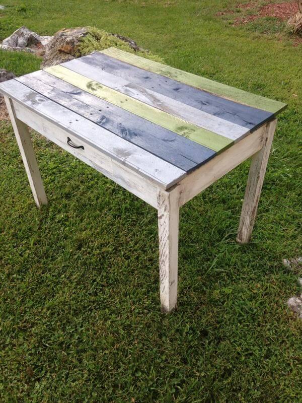 DIY Pallet Outdoor Accent Table   Pallet Furniture DIY