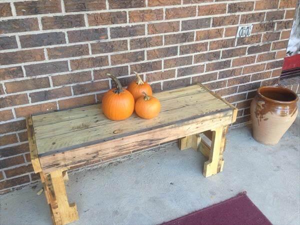 salvaged pallet outdoor bench