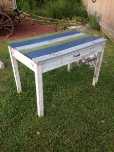 repurposed pallet accent table