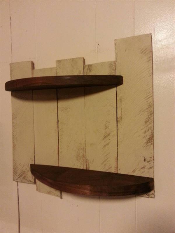 Diy reclaimed pallet shelves pallet furniture diy for Pallet floating shelves