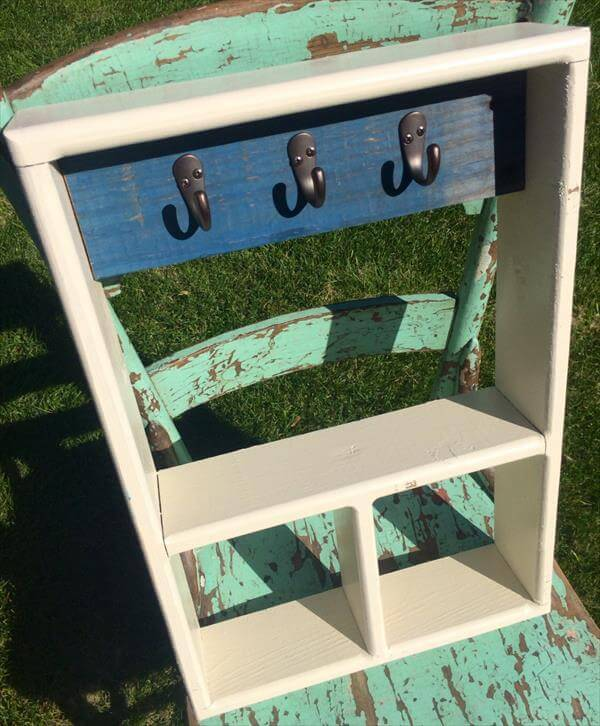 upcycled shelf with pallet wood and hooks