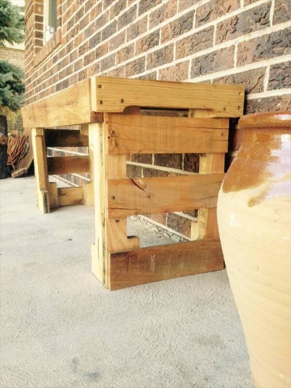 wooden pallet outdoor bench