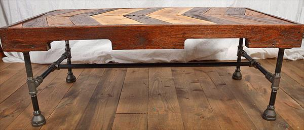 Perfect DIY Pallet Iron Pipe Coffee Table