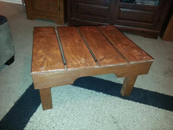 recycled pallet mini table and foot stool