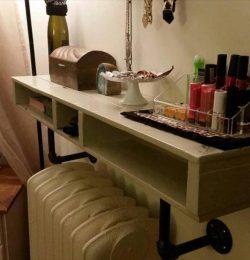recycled pallet living room shelf