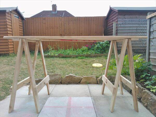 reclaimed pallet foldable table