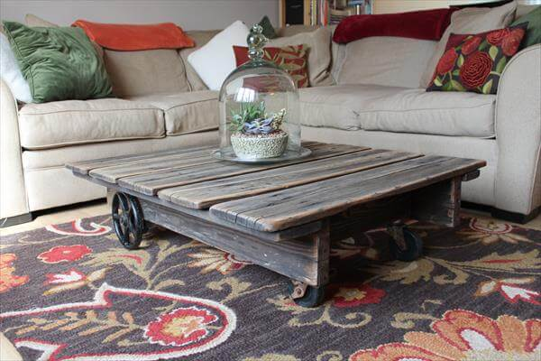 reclaimed rustic pallet coffee table