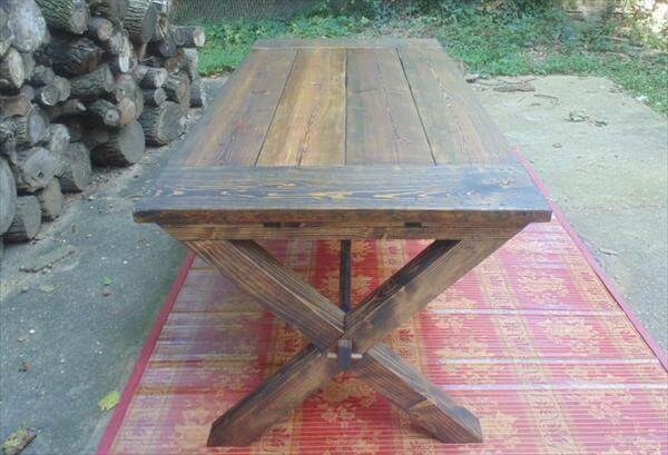 Reclaimed Pallet Farmhouse Table With Cross