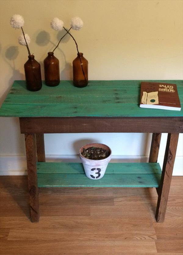 upcycled pallet two toned side table