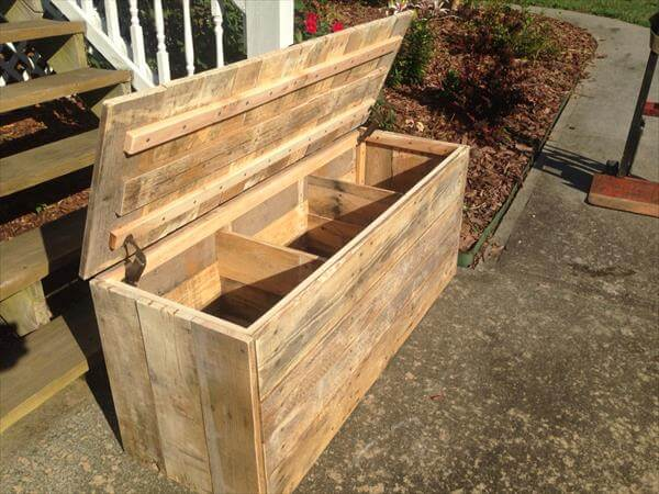 reclaimed pallet large chest with compartments