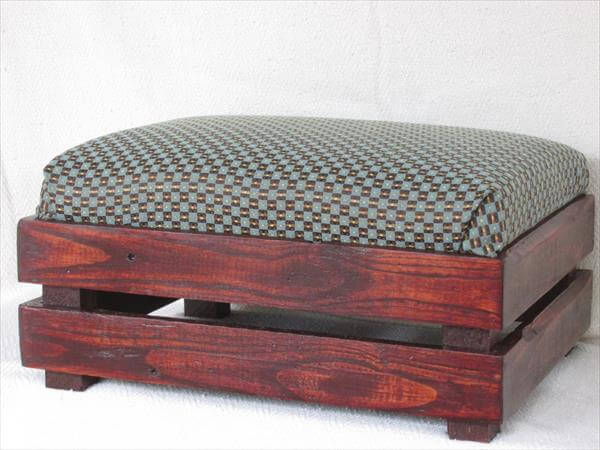 repurposed pallet upholstered ottoman and footstool & DIY Pallet Padded Ottoman u2013 Footstool | Pallet Furniture DIY islam-shia.org