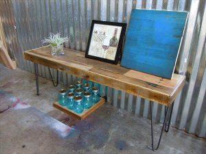 repurposed pallet bench