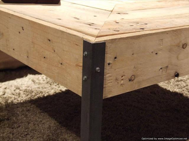 Reclaimed pallet wood and steel legs table pallet furniture diy