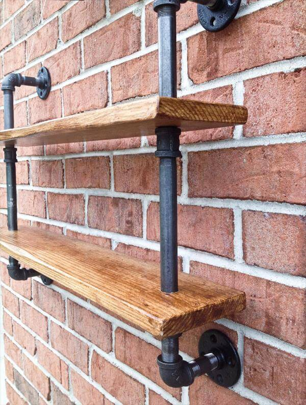 DIY Pallet And Iron Pipe Wall Hanging Shelf