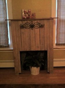recycled pallet faux fireplace