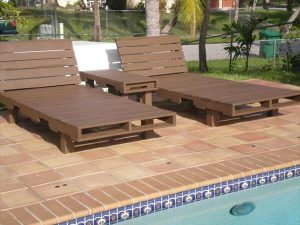 recycled pallet pool side loungers